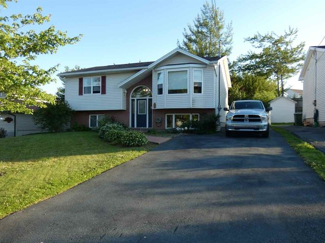 5 Old Lawrencetown Road