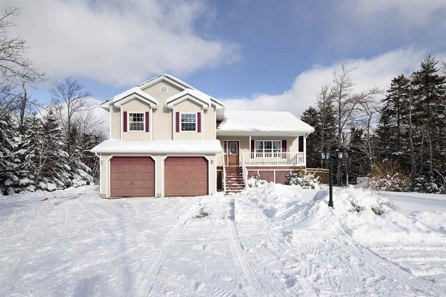 4267 Highway 7, Porters Lake