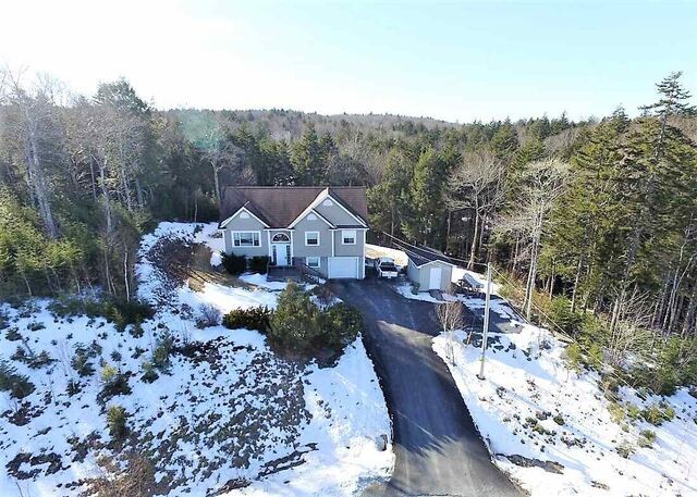 240 Honeysuckle Road, Middle Sackville (MLS® 202000977)