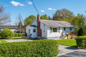 3 Arbutus Avenue (MLS 201812899)