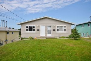 8 & 8A Booth Street (MLS 201819181)