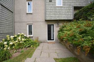 5717 Gainsborough Place, North End (MLS 201820399)