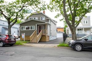 6416 Young Street (MLS 201903280)