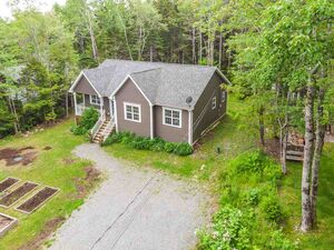 1970 Beaverbank Road, Beaver Bank (MLS 201915854)