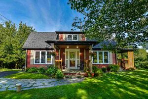 61 Lakewood Drive, Brookside