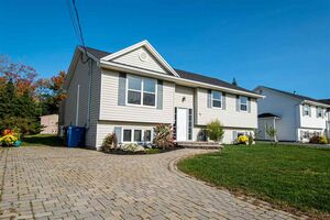 39 Barry Crescent, Herring Cove