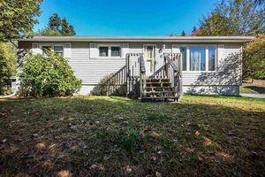 12 Greenwood Drive, Dartmouth