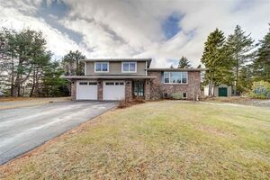 2 Candlewood Drive, Porters Lake